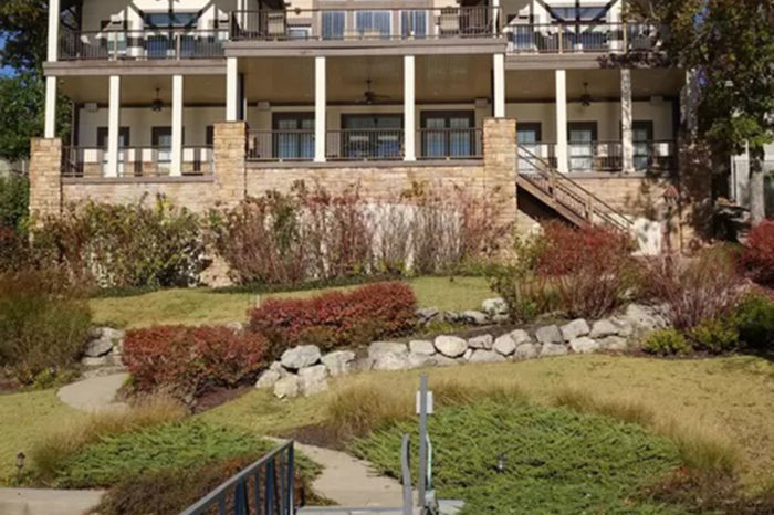 Lake home Architect