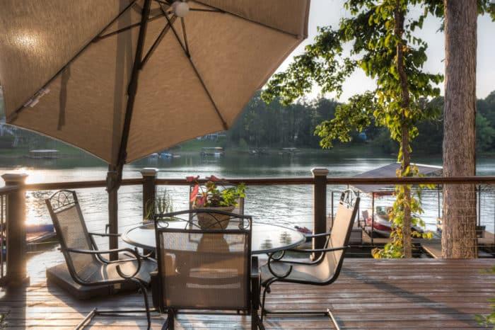 Georgia lakes to build a home